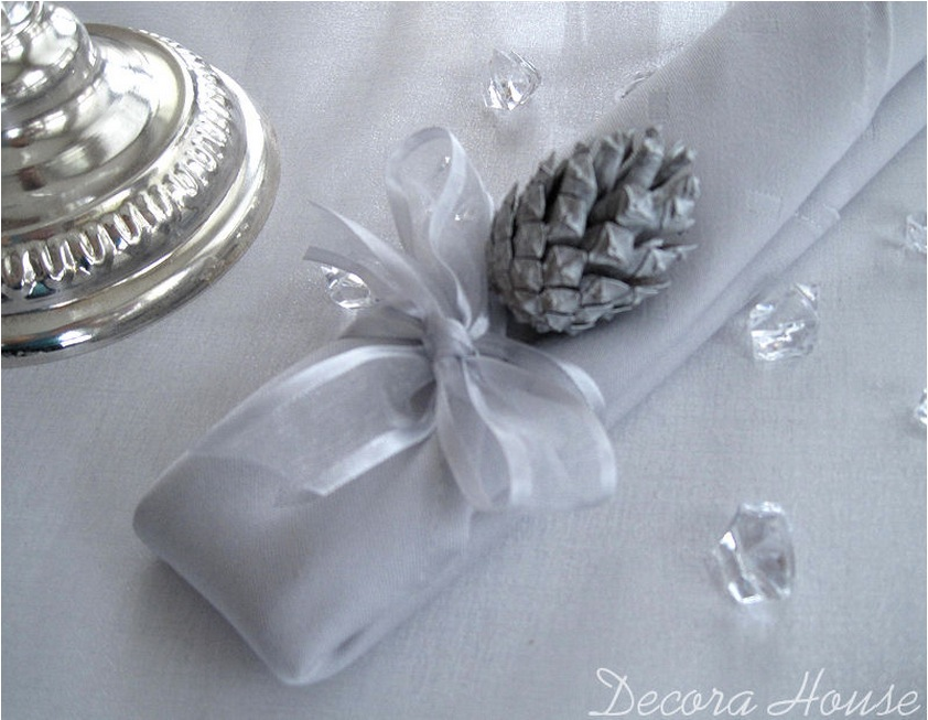 Winter elements in wedding decoration white silver and diamonds advertisements junglespirit Image collections