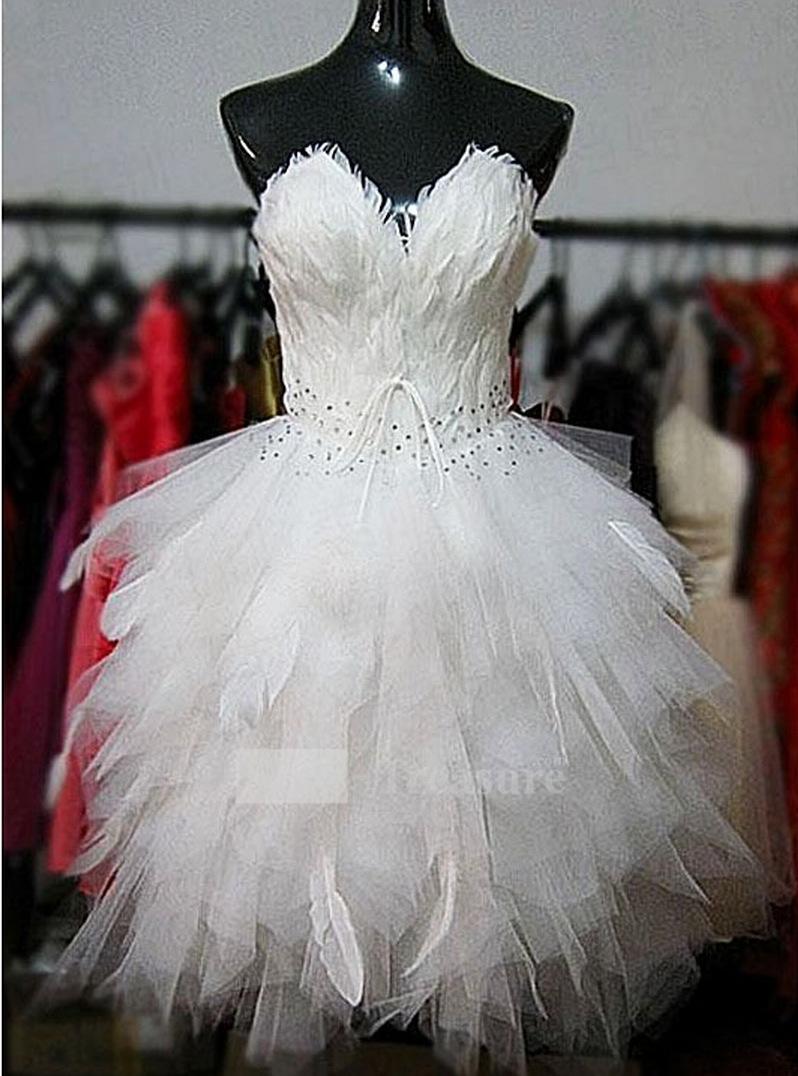 Платье из перьев