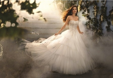 red prom dresses under £100: CINDERELLA TULLE BALL GOWN WEDDING DRESSES