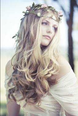 natural long hair wedding