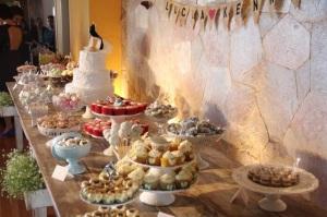 Vintage wedding desserts
