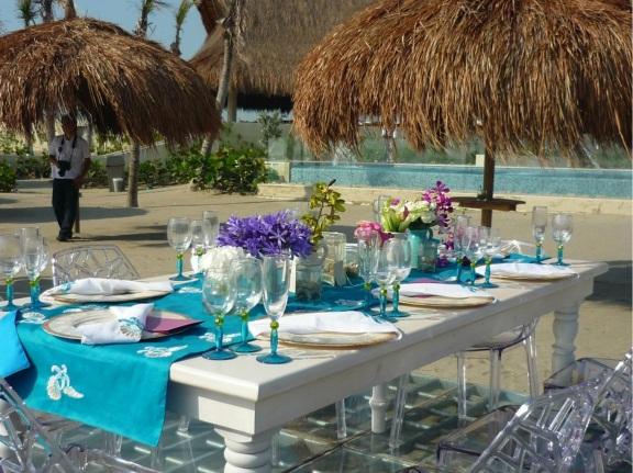 Colombian beach wedding