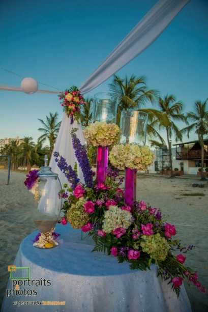 Colored water wedding decoration