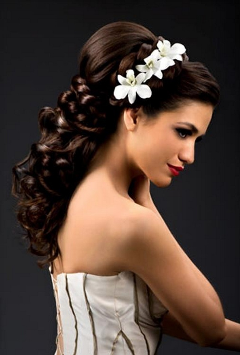 Hair And Make Up Artistry By Amber: Pick The Best Ideas For Your Trendy Bridal Hairstyle