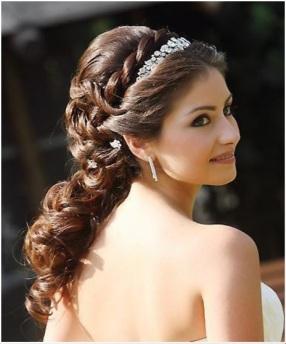 hair like queen bride