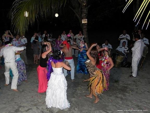 hora loca party colombia - best beach wedding ideas