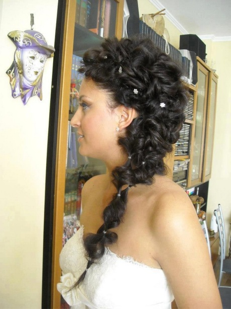 trendy long hair wedding style