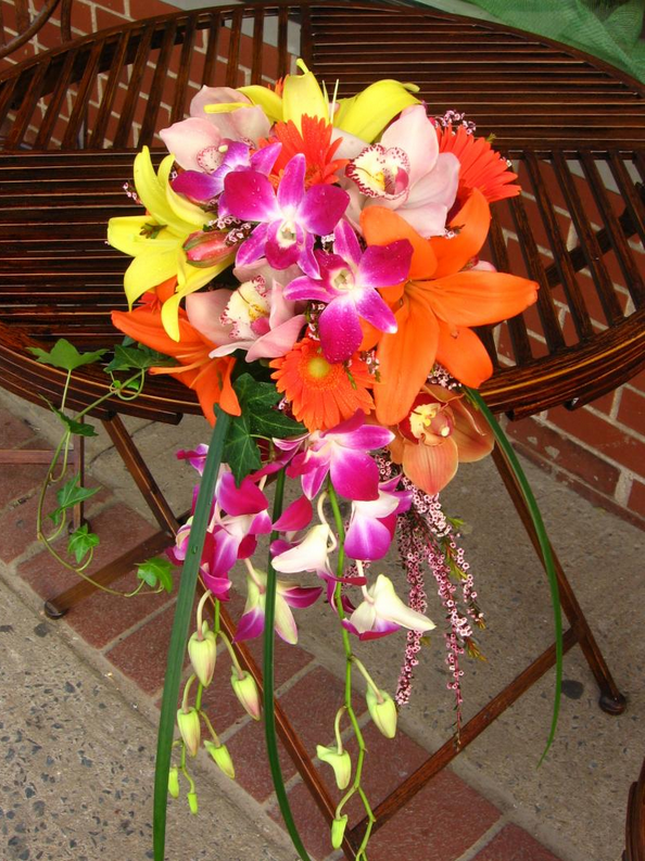Bridal Bouquet Tropical Flowers : Pick tropical flowers for wedding decoration